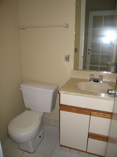 1590n-downstairs-bathroom