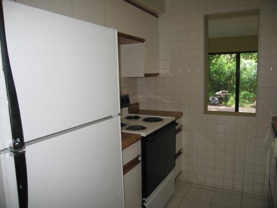 1590n-kitchen2