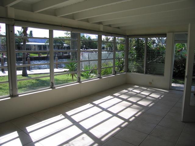 6-Fam Room